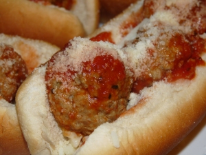 Quick and Easy Meatball Sammies 008